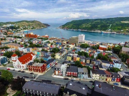 """St. John's – thủ phủ của Newfoundland và Labrador được gọi là """"San Francisco thu nhỏ."""""""